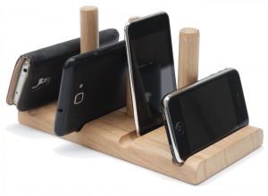 Leanii station phone and tablet stand holding phones